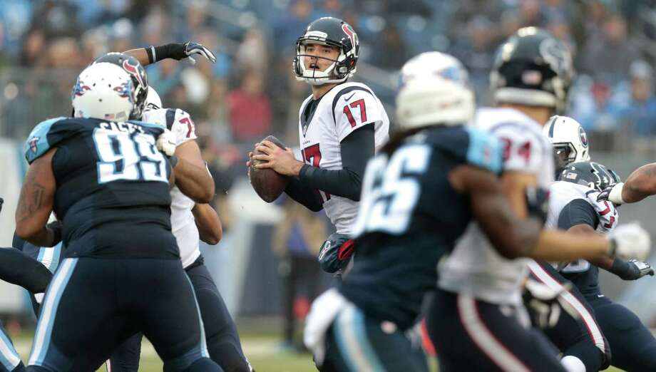Houston Texans quarterback Brock Osweiler (17) drops back to pass against the Tennessee Titans during the fourth quarter of an NFL football game at Nissan Stadium on Sunday, Jan. 1, 2017, in Nashville. ( Brett Coomer / Houston Chronicle ) Photo: Brett Coomer, Staff / © 2017 Houston Chronicle