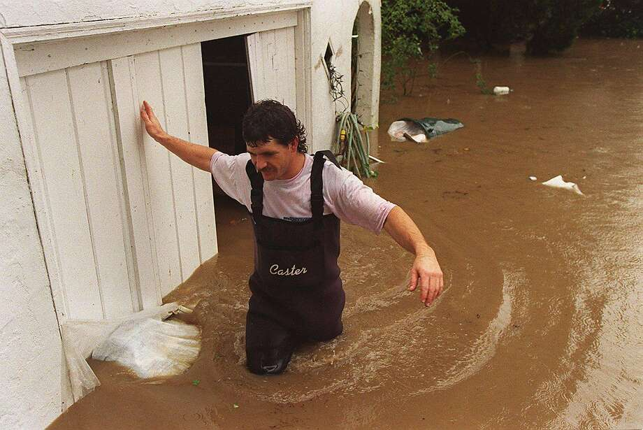Eric Kaump woke up at 7 a.m. to find his house flooded to find his house on Soscal Street in Napa flooded.   Photo: TIM KAO, CHRONICLE