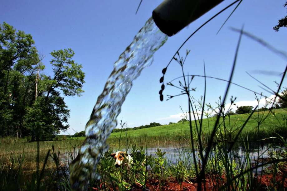 Water rights and private property rights were major concerns of some 2,000 agricultural producers who took part in a Texas Farm Bureau survey. Photo: BAHRAM MARK SOBHANI, STAFF / SAN ANTONIO EXPRESS-NEWS