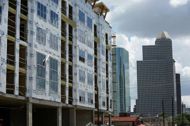The new Dolce Living apartments undergo construction at 210 West Grey Street Friday, June 24, 2016 in Houston. Average rents across the Houston area fell by 1.3 percent to $1,014, according to RealPage. ( Michael Ciaglo / Houston Chronicle )