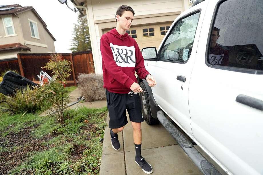 Oakley high school student Aidan Dunn, 17, says provisional li cense restrictions help teens drive more safely but go too far. Photo: Scott Strazzante, The Chronicle