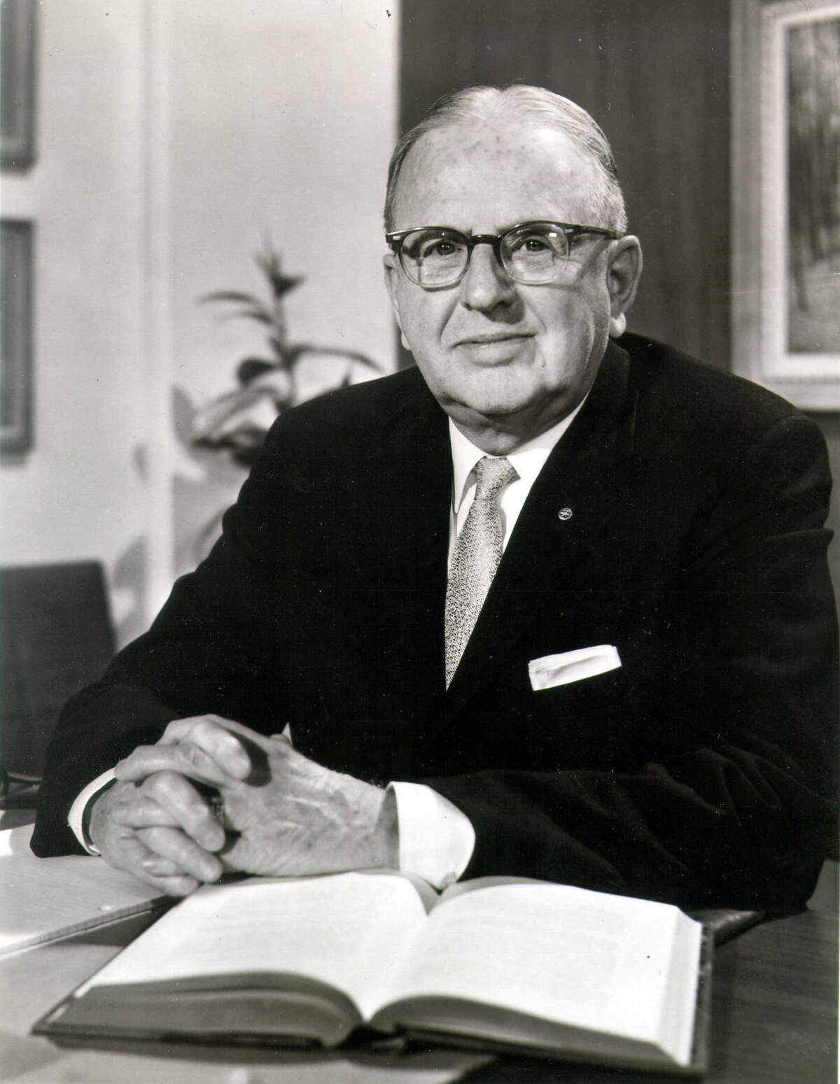 Dr. Norman Vincent Peale, world-renowned religious leader, and author of a new Prentice-Hall book,YOU CAN IF THINK YOU CAN. (March 7, 1974) FILE PHOTO