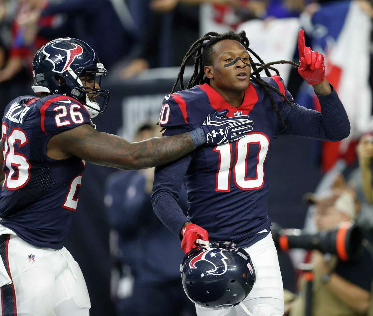 JOHN McCLAIN'S GRADES FOR PLAYOFF WIN OVER THE RAIDERS Wide receiver/tight end DeAndre Hopkins caught five passes for 67 yards and a touchdown. Will Fuller added four receptions. Ryan Griffin and C.J. Fiedorowicz combined for five receptions. Grade: C