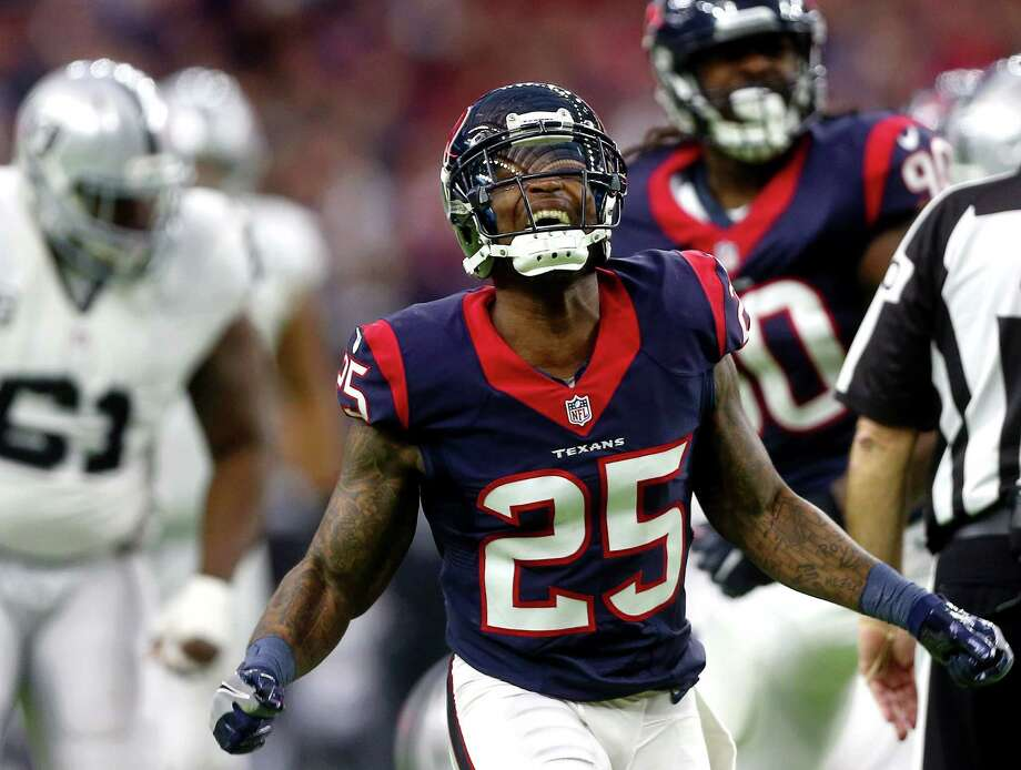 Houston Texans cornerback Kareem Jackson (25) celebrates after a stop on second down during the second quarter of an AFC Wild Card Playoff game at NRG Stadium Saturday, Jan. 7, 2017, in Houston. Photo: Jon Shapley, Houston Chronicle / © 2015  Houston Chronicle