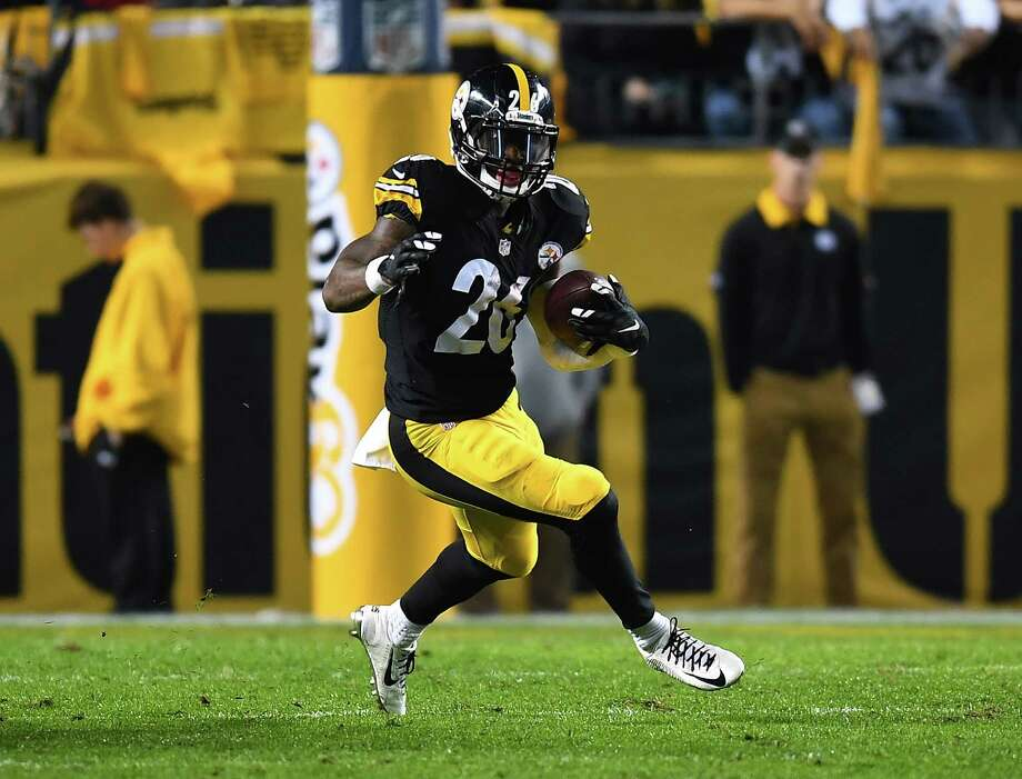Le'Veon Bell announced on social media that his first LP is set to be released on March 1. Photo: Joe Sargent / 2016 Getty Images