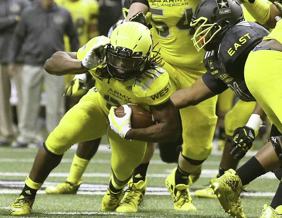 Najee Harris carries the ball in this year's All-American Bowl. The U.S. Army will no longer sponsor the Alamodome game. Photo: Tom Reel / San Antonio Express-News / 2017 SAN ANTONIO EXPRESS-NEWS
