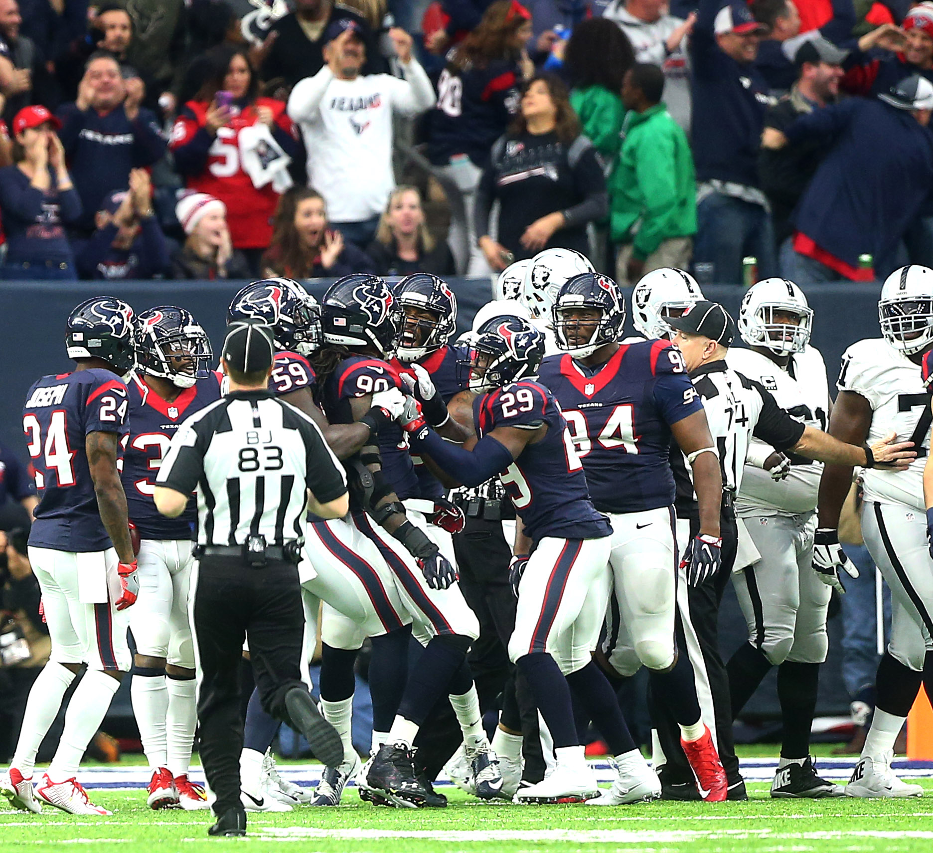 9f97cbfd0a3 Jadeveon Clowney s playoff interception embodies his breakout season -  Houston Chronicle
