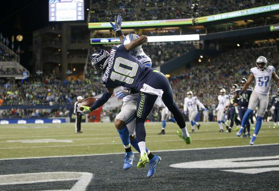 Wide receiver Paul Richardson (10) of the Seahawks brings in a one-handed catch for a touchdown against the Detroit Lions at CenturyLink Field on January 7, 2017 in Seattle. Photo: Otto Greule Jr/Getty Images