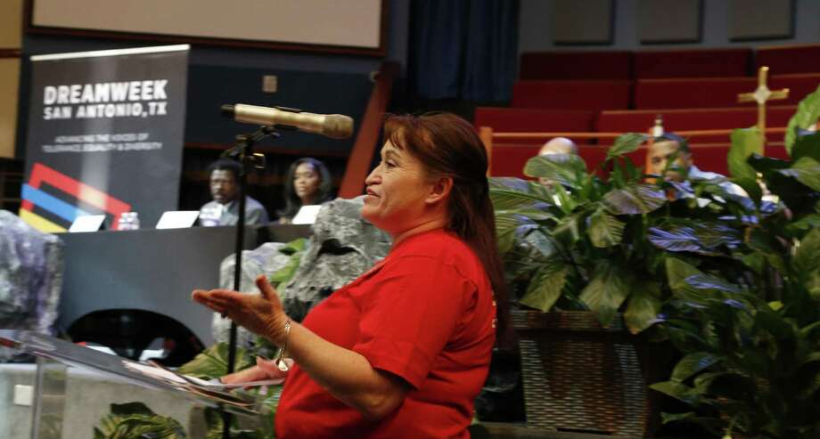 Marilyn Perez, whose son Ryan was shot and killed on Thanksgiving Day in 2012, speaks at a town hall forum about gun violence on Saturday, January 7, 2017. Photo: Ron Cortes /Ronald Cortes / Freelance