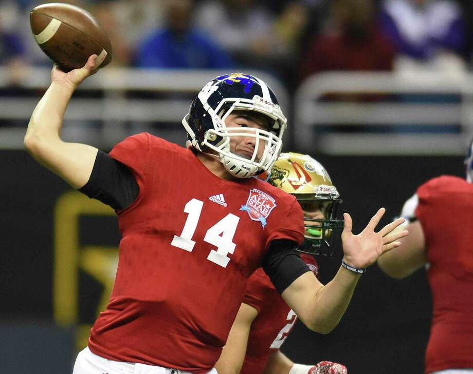 East quarterback Josh Adkins of Smithson Valley throws during the San Antonio Sports All-Star Game at the Alamodome on Jan. 7, 2017. Photo: Billy Calzada /San Antonio Express-News / San Antonio Express-News