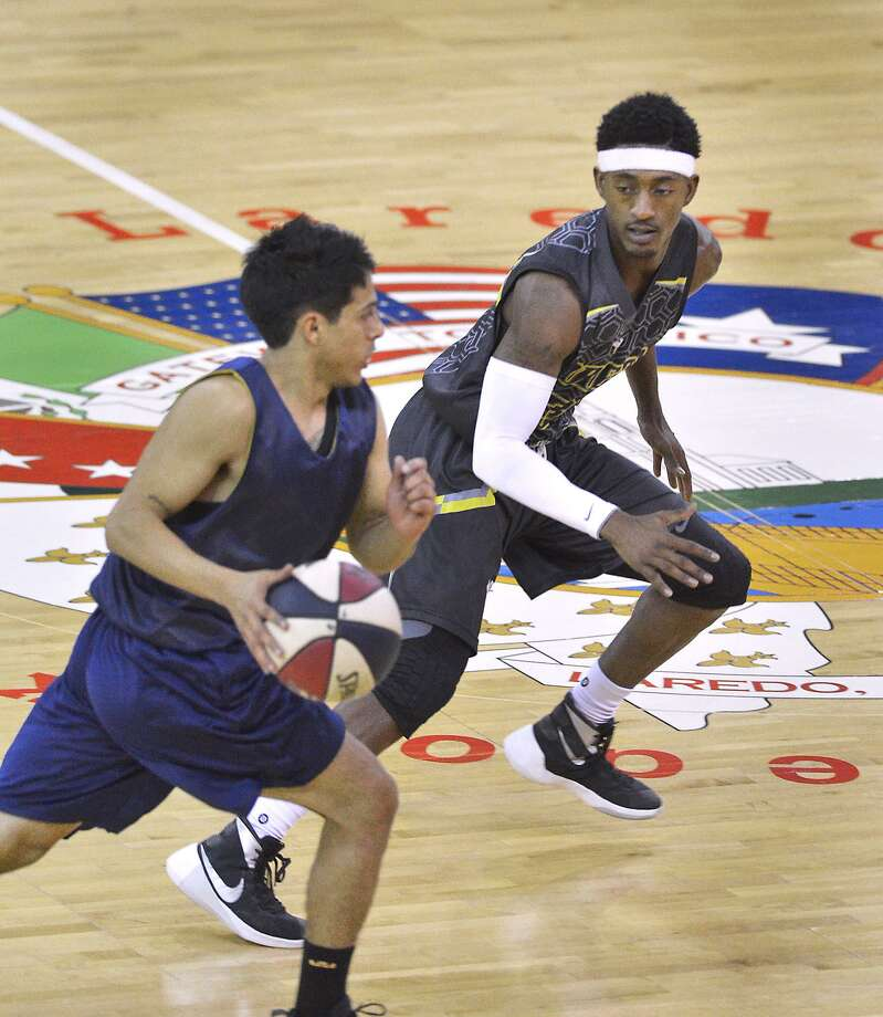 Anthony Alston finished with 15 points, 11 assists and six rebounds as the Swarm won 178-59 over Tulsa Saturday. It was the largest win in franchise history and gave the Swarm a 20-0 record all-time at LEA in regular-season games. Photo: Cuate Santos /Laredo Morning Times / Laredo Morning Times
