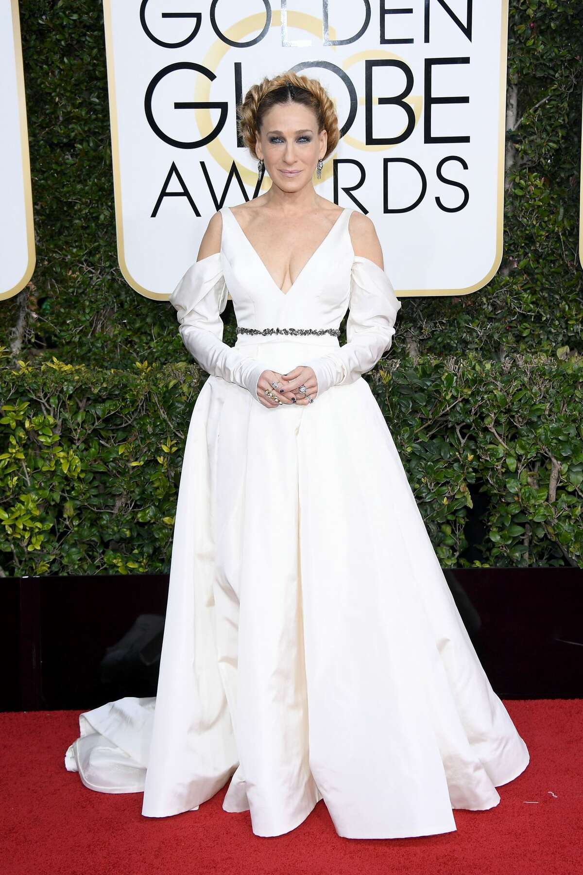 Sarah Jessica Parker attends the 74th Annual Golden Globe Awards at The Beverly Hilton Hotel on January 8, 2017 in Beverly Hills, California.