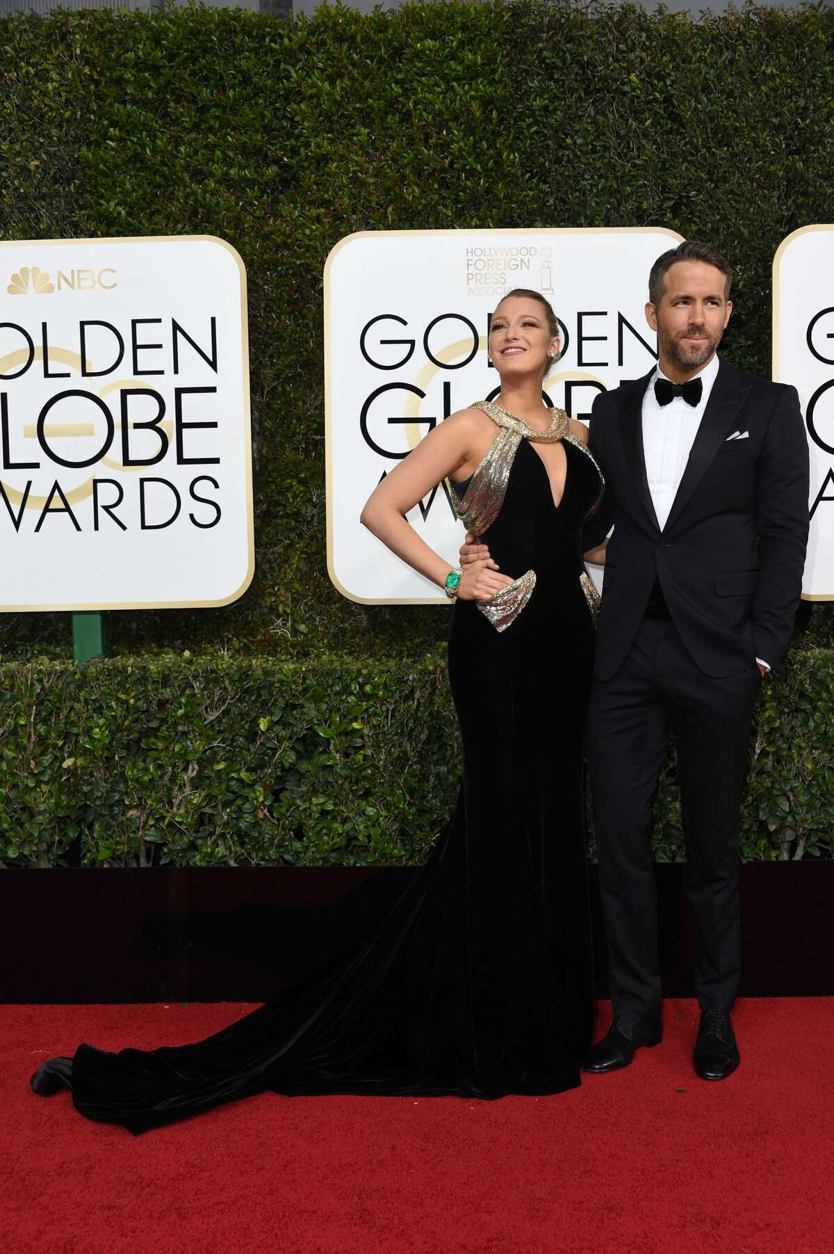 Actress Blake Lively and husband Ryan Reynolds arrive at the 74th annual Golden Globe Awards, January 8, 2017.