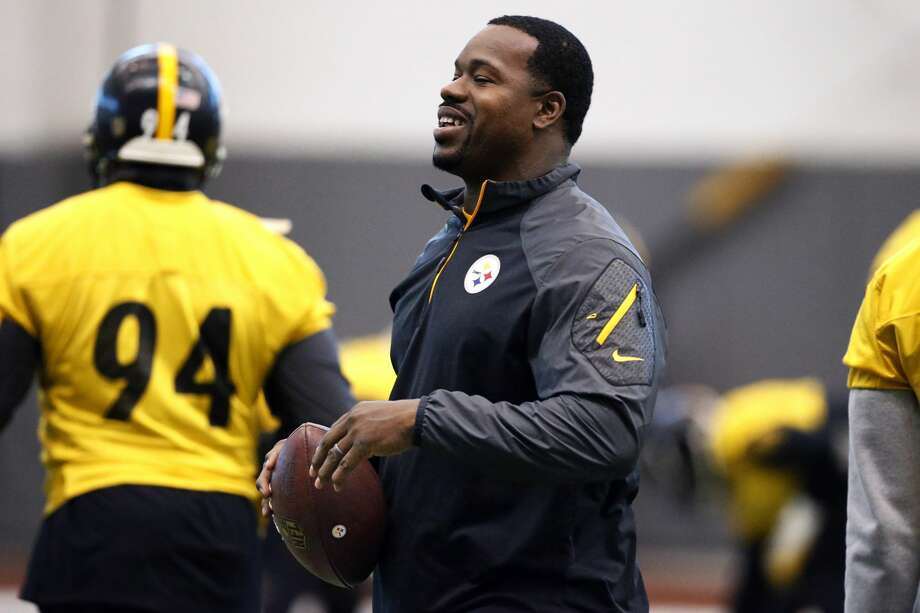 Pittsburgh Steelers assistant coach Joey Porter has been arrested at a Pittsburgh bar following the team's wild-card win over the Miami Dolphins. Photo: Gene J. Puskar/Associated Press