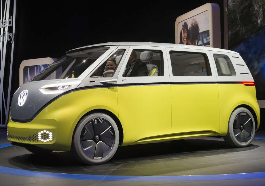 The Volkswagen I.D. Buzz autonomous minibus concept is unveiled during the 2017 North American International Auto Show in Detroit, Michigan, January 9, 2017.  Photo: SAUL LOEB/AFP/Getty Images