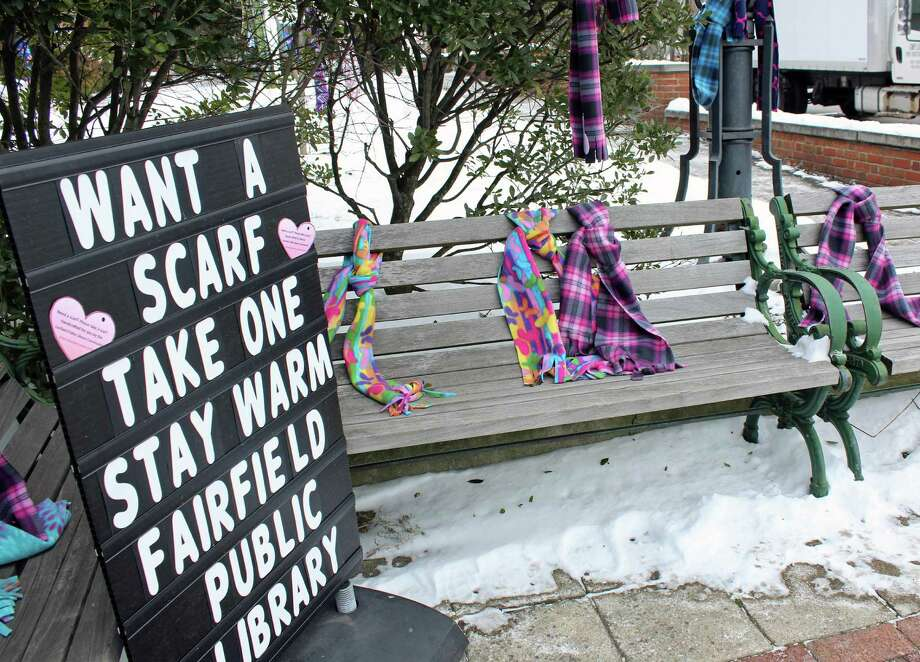 Anyone who needs a warm scarf can find one, for free, outside the Fairfield Public Library, 1080 Old Post Road. Fairfield, CT. 1/9/17 Photo: Genevieve Reilly / Hearst Connecticut Media / Fairfield Citizen