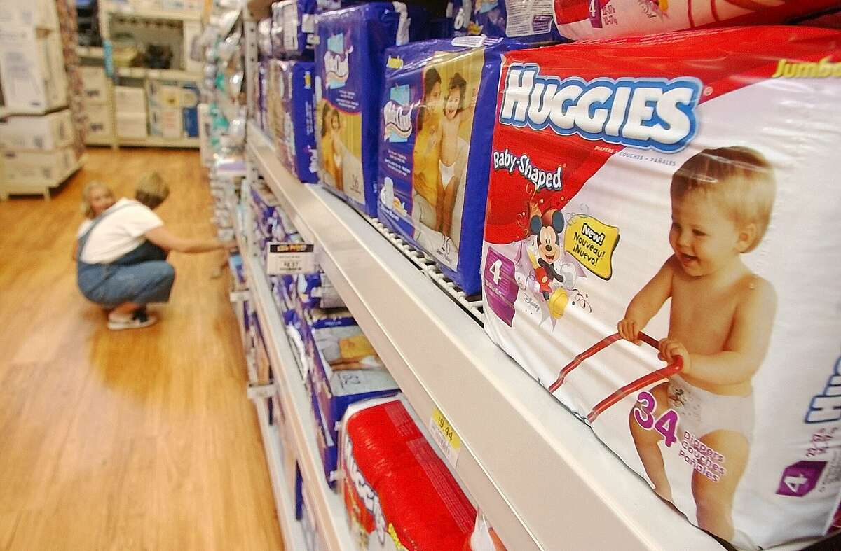 Retailer baby registries offering freebies and deals. Expecting a little bundle of joy? If so, you can expect to save a bundle on essentials just by creating a baby registry at some well-known stores like Target, Babies