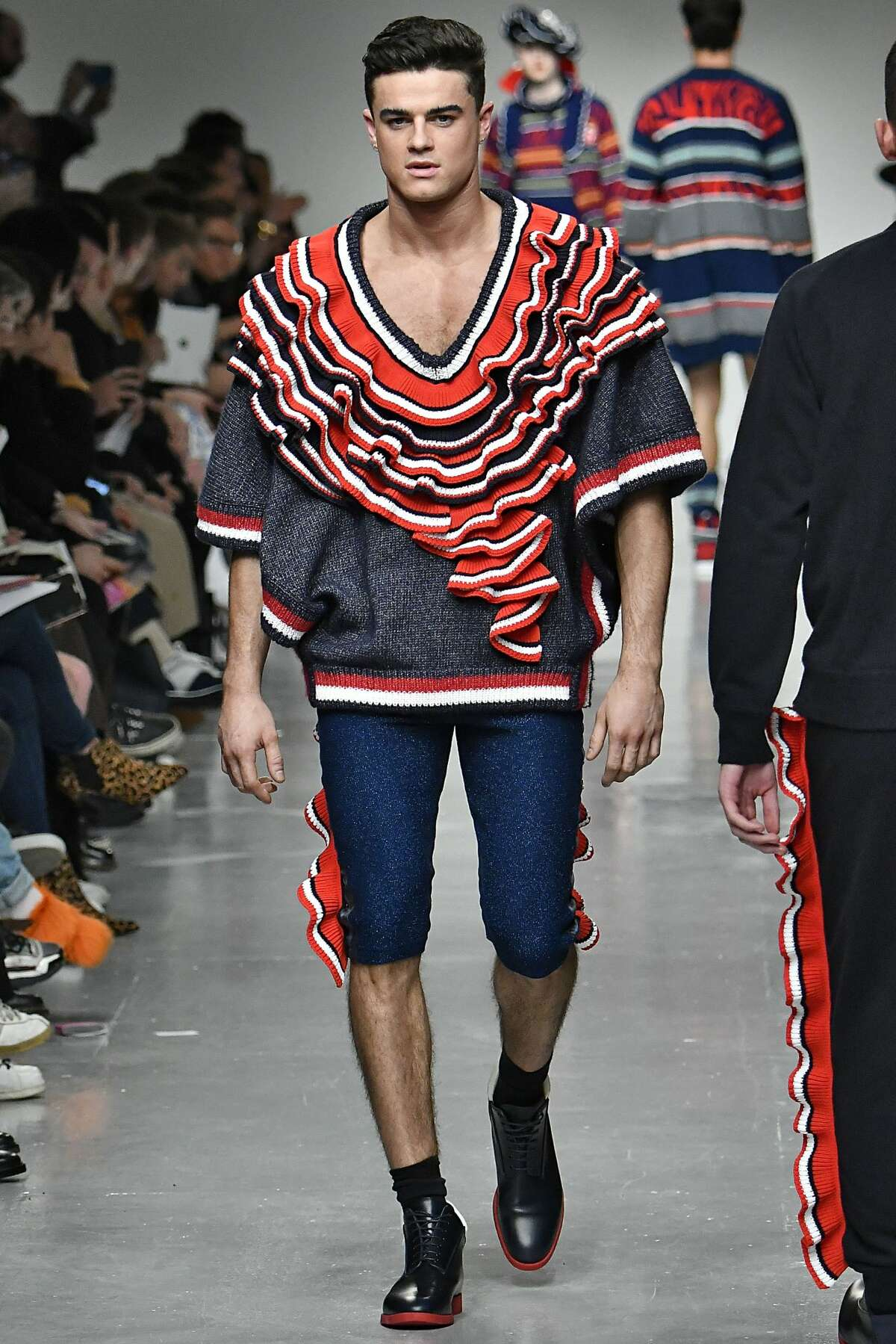 Sibling Autumn Winter 2017-2018: Just won't wear this to a circus or carnivals. The carnies might think you are part of the act.