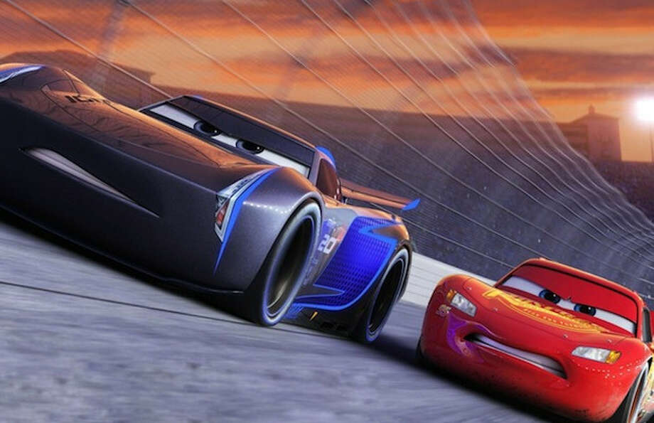 Cars 3\' TV Spot Shows Lightning McQueen Racing Against Time (Video ...
