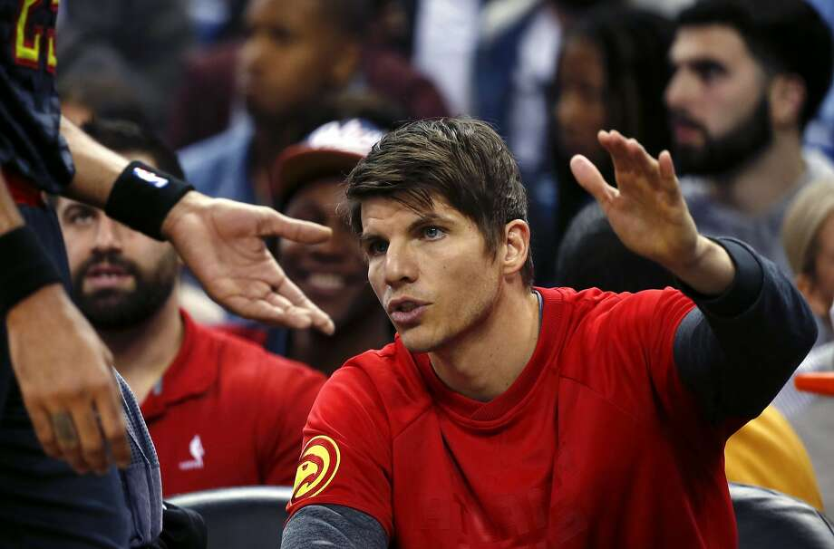 Atlanta Hawks guard Kyle Korver, right, greets forward Thabo Sefolosha who comes to the bench in the first half of an NBA basketball game against the Atlanta Hawks in New Orleans, Thursday, Jan. 5, 2017. (AP Photo/Gerald Herbert) Photo: Gerald Herbert, Associated Press
