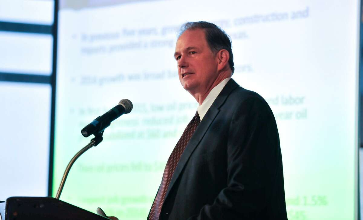 Dallas Federal Reserve Bank Senior Economist Keith Phillips, based in San Antonio, presented his 2017 forecasts Tuesday to city business leaders.