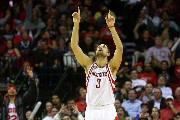 Houston Rockets forward Ryan Anderson (3) celebrates after hitting a three-point basket during the second quarter of an NBA game at the Toyota Center, Tuesday, Jan. 10, 2017, in Houston.