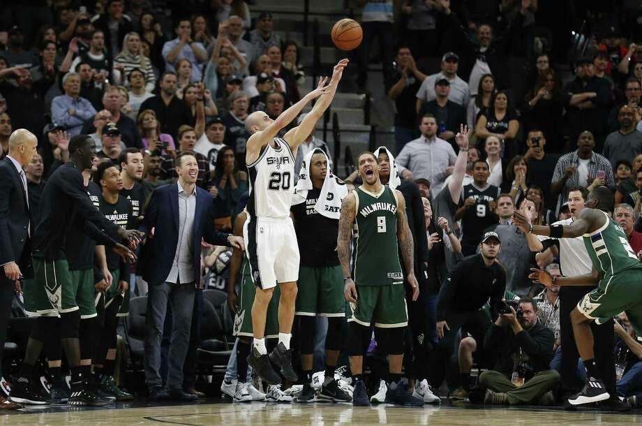 Manu Ginobili will remain the Spurs' emotional leader for a 16th season. Photo: Kin Man Hui /San Antonio Express-News / ©2017 San Antonio Express-News