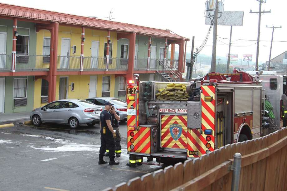 Firefighters responded to a fire at a hotel in the 9500 block of Interstate 10 West in the Medical Center on Jan. 11, 2017. Photo: Tyler White, San Antonio Express-News / San Antonio Express-News