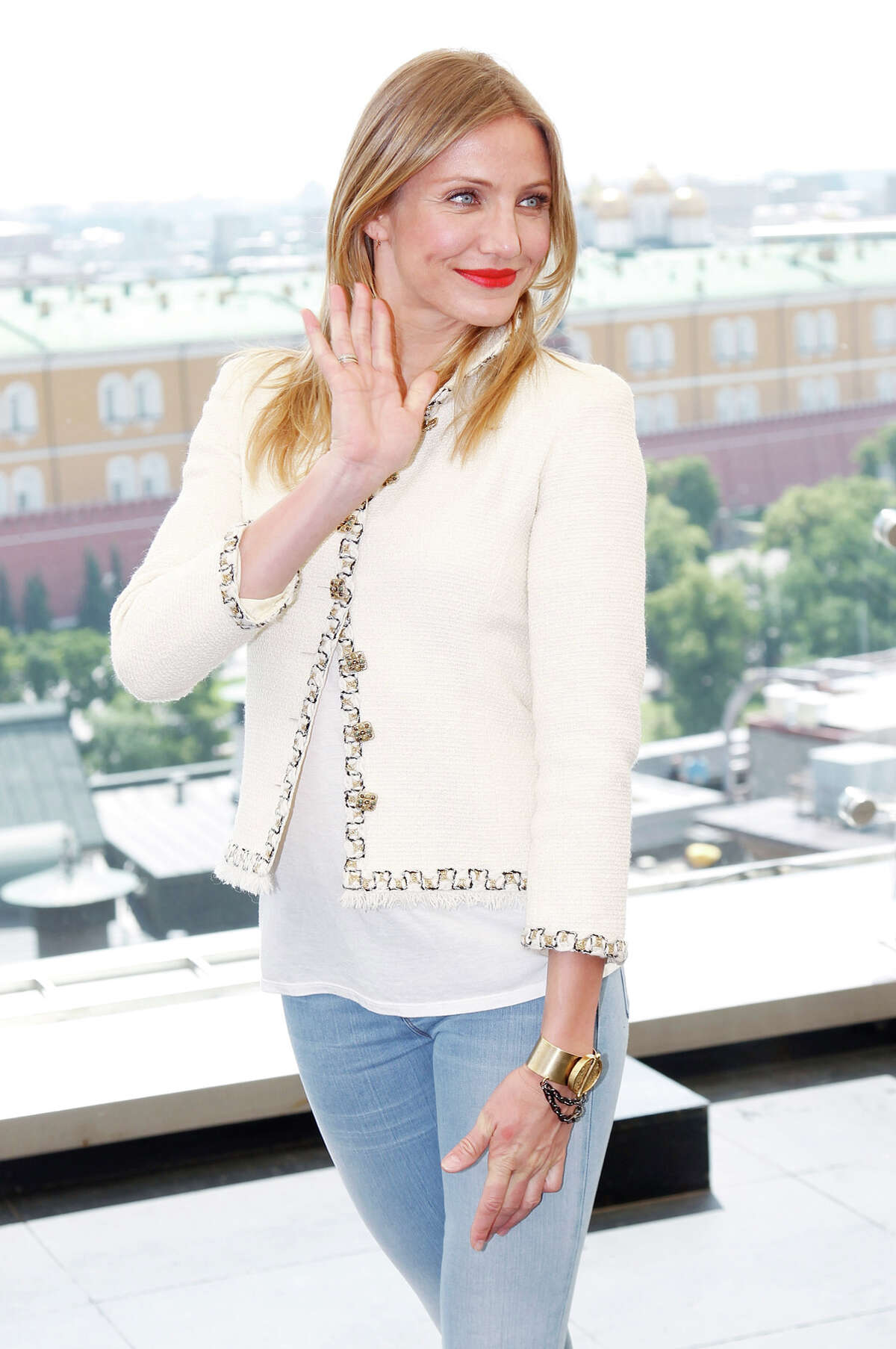 """Cameron Diaz: Avaline Wine Actress Cameron Diaz and entrepreneur Katherine Power started a line of """"clean"""" wines made with organic grapes. In 2020, the introduced a sparkling wine. Find out more."""