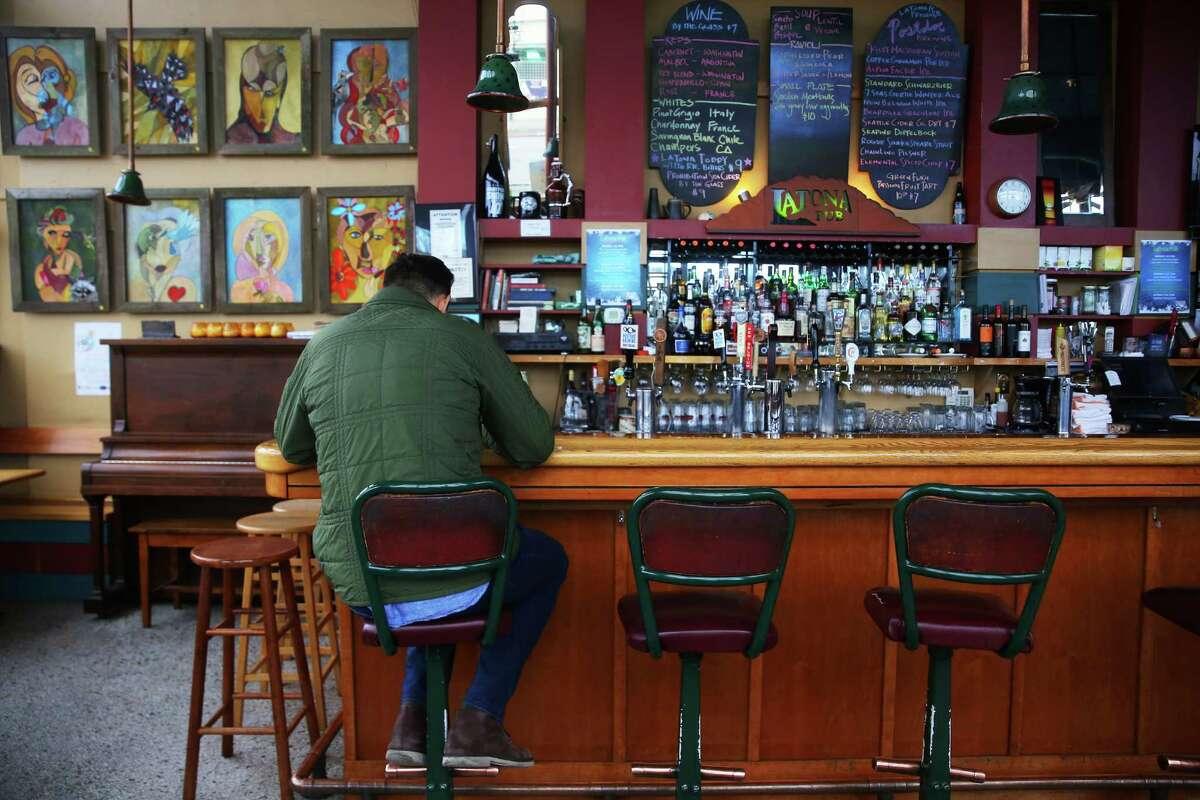 Latona Pub, Green Lake