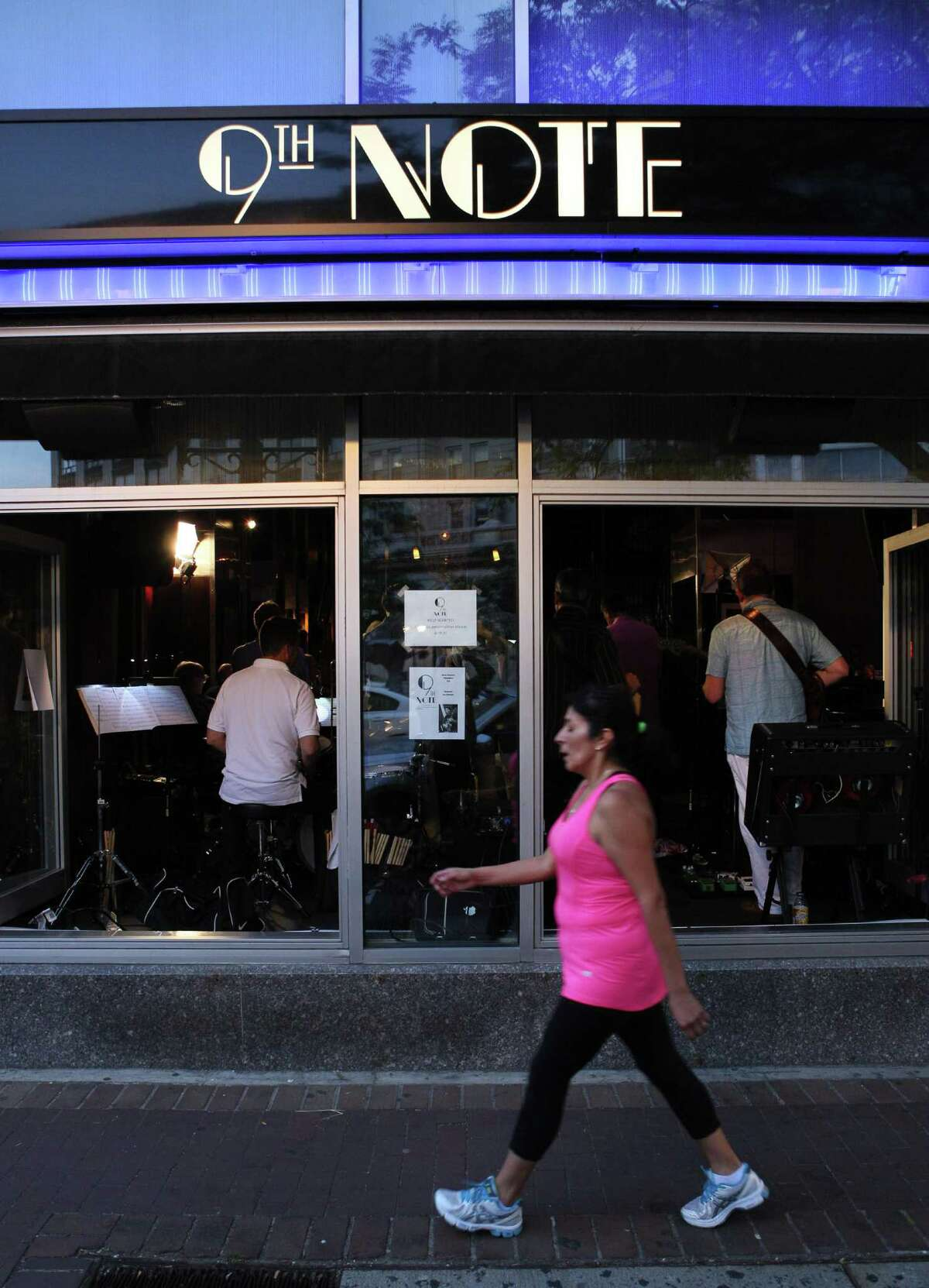 Stamford, Ct. 6.20.16 --- Ninth Note Jazz Supper Club --- Along Bank Street on monday evenings in downtown Stamford, the Big Band sound of the 9th Note Jazz orchestra can be heard through the front windows and down the block, as the 18 piece band plays its music.