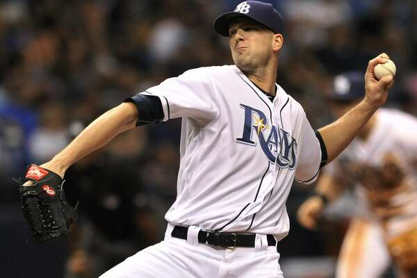 Tampa Bay Rays starter Drew Smyly pitches against the New York Yankees during the third nning of a baseball game Tuesday, Sept. 20, 2016, in St. Petersburg, Fla. (AP Photo/Steve Nesius)
