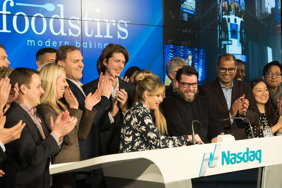 Startup co-founder Sarah Michelle Gellar rings the closing bell at the Nasdaq Entrepreneurial Center in San Francisco. Photo: James Tensuan, Special To The Chronicle