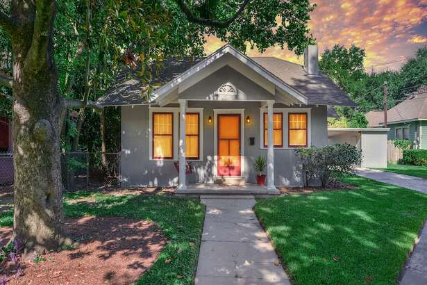 Houston   : 113 Northwood (Greater Heights)     Listing price : $330,000    Square feet : 980