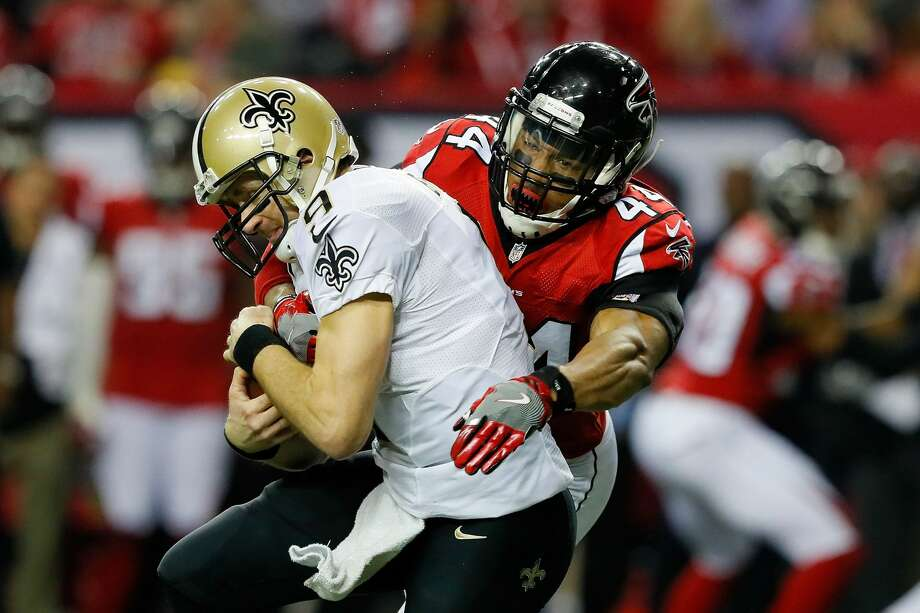 Vic Beasley Jr. of the Atlanta Falcons sacks Drew Brees of the New Orleans Saints during the first half at the Georgia Dome on Jan. 1, 2017 in Atlanta. Photo: Kevin C.  Cox/Getty Images