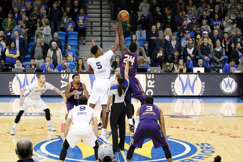 SANTA CRUZ - DECEMBER 16:  Damian Jones #5 of the Santa Cruz Warriors and Johnny O'Bryant III #24 of the Northern Arizona Suns go up for the opening tip off before the game on December 16, 2016 at Kaiser Permanente Arena in Santa Cruz, California. NOTE TO USER: User expressly acknowledges and agrees that, by downloading and/or using this Photograph, user is consenting to the terms and conditions of the Getty Images License Agreement. Mandatory Copyright Notice: Copyright 2016 NBAE (Photo by Jack Arent/NBAE via Getty Images) Photo: Jack Arent, NBAE/Getty Images