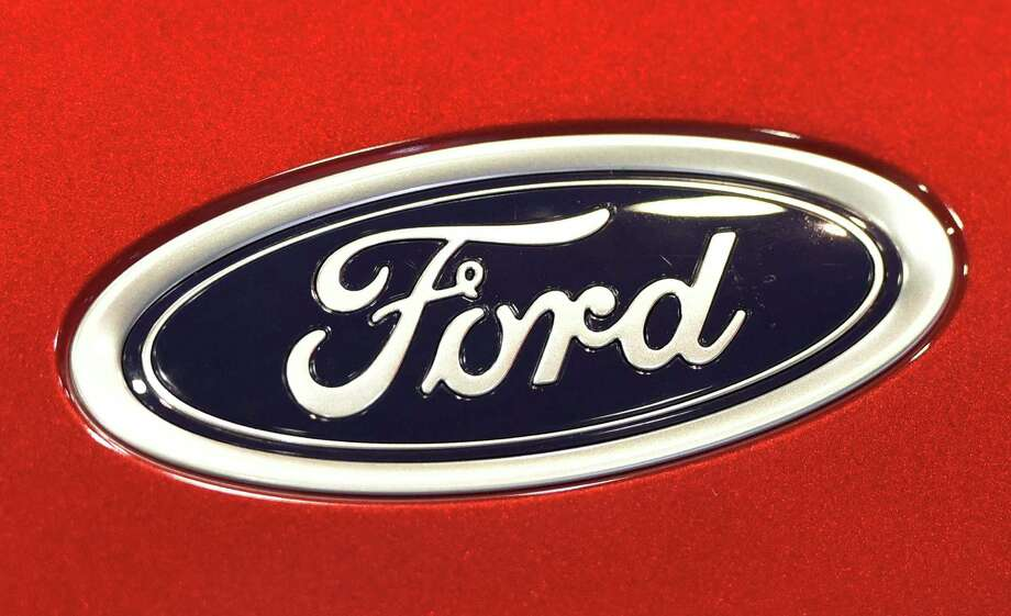 Ford is expanding its safety recall of some defective airbag inflators from Japanese parts maker Takata. The action extends the recall to about 816,000 Ford, Lincoln and Mercury brand vehicles built in North America and sold in the United States and Canada for various model years between 2005 and 2012. Photo: Mandel Ngan /AFP /Getty Images / AFP or licensors