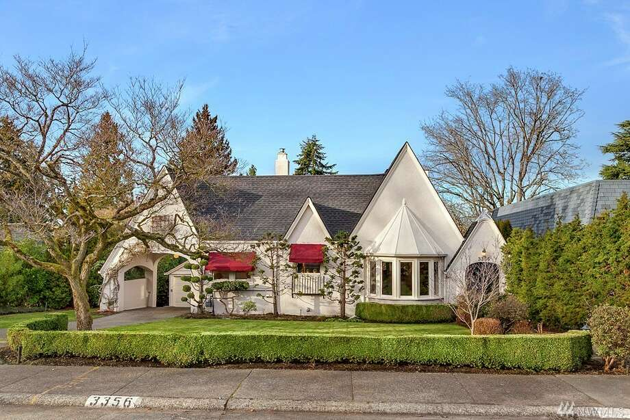 This home at 3356 E. Shore Drive is listed for $1.975 million. You can see the full listing here. Photo: Photos By Nolan Green/Clarity NW, Listing Courtesy Art Whittlesey, Windermere Real Estate/East