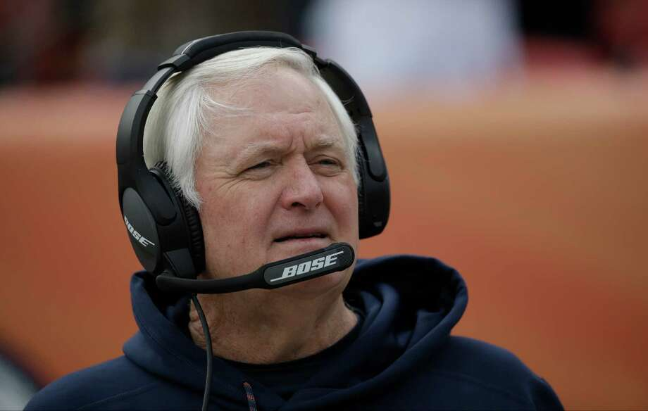 Denver Broncos defensive coordinator Wade Phillips stands on the field before an NFL football game against the Oakland Raiders, Sunday, Jan. 1, 2017, in Denver. (AP Photo/Jack Dempsey) Photo: Jack Dempsey, FRE / FR42408 AP