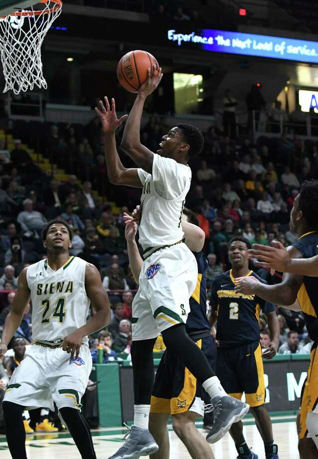Siena's Kadeem Smithen drives to the net in the first half against Quinnipiac at the Times Union Center on Thursday, Jan. 12, 2017, in Albany, N.Y. (Will Waldron/Times Union) Photo: Will Waldron / 20039265A