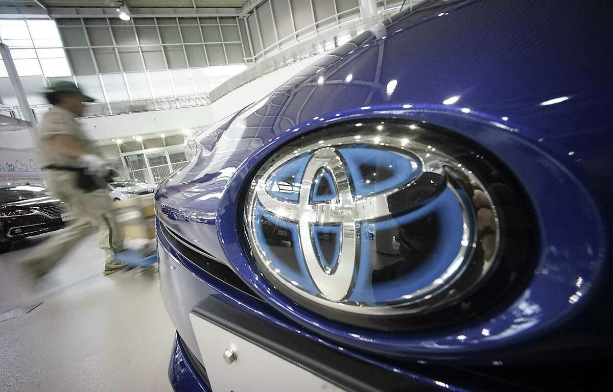 Toyota Motor Corp. says it is recalling another 543,000 vehicles in the U.S. for defective front passenger air bag inflators made by Japan's Takata Corp.