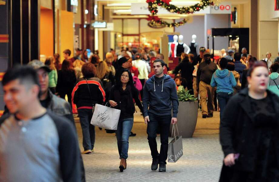 Holiday sales rose 4 percent to about $658.3 billion, according to The National Retail Federation. That beat a forecast for a 3.6 percent boost. But department stores posted a 7 percent decline. Photo: Christian Abraham /Connecticut Post / Connecticut Post