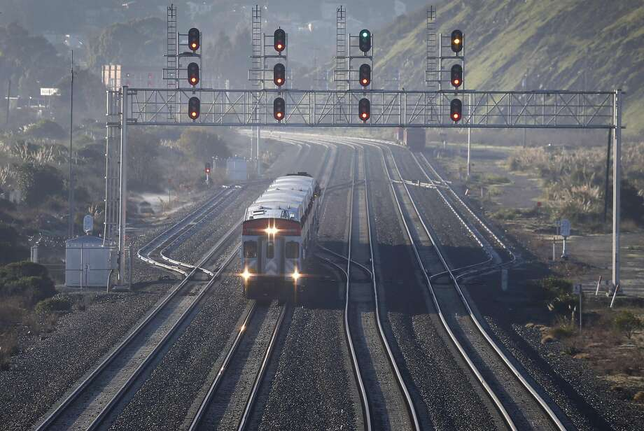 A northbound express train approaches the Bayshore Caltrain station in Brisbane, Calif. on Friday, Jan. 13, 2017. Photo: Paul Chinn, The Chronicle