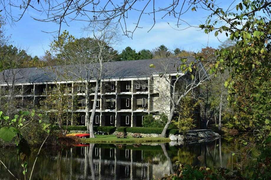 The headquarters of Bridgewater Associates at 1 Glendinning Pl. in Westport, Conn. Photo: Alexander Soule / Hearst Connecticut Media / Stamford Advocate