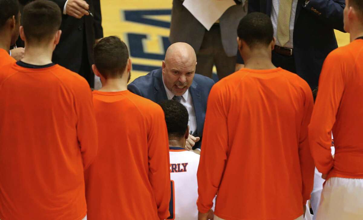 UTSA coach Steve Henson talks with players during a timeout in second half action against UTEP on Jan. 1, 2017 at the Convocation Center. UTSA won 67-55.