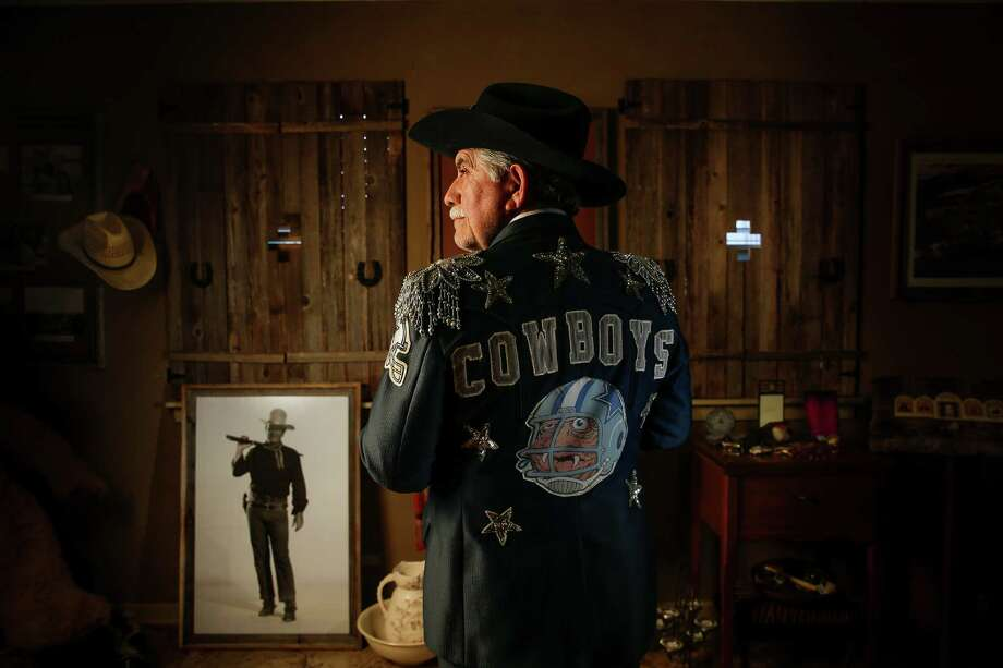 With years of experience antagonizing Houston football fans, Cowboy Bill Lamza is cheering on Dallas to Super Bowl LI  Wednesday, Jan. 11, 2017 in Hempstead. Photo: Michael Ciaglo, Houston Chronicle / © 2016  Houston Chronicle