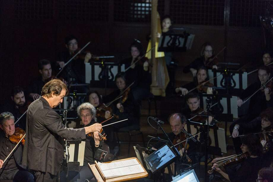 """David Newman conducts the San Francisco Symphony as it screens the Marlon Brando classic """"On The Waterfront,"""" performing Leonard Bernstein's Oscar-winning soundtrack live, Saturday, Jan. 7, 2017 in San Francisco, CA. Photo: Eric Kayne, Special To The Chronicle"""