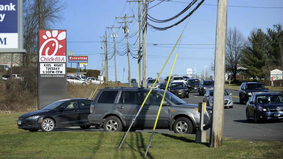 The state is going to be improving Federal Road in Brookfield, a project that will include a left turn signal at the northbound entrance to the Chick-fil-A plaza. Photo friday, January 13, 2017. Photo: Carol Kaliff / Hearst Connecticut Media / The News-Times