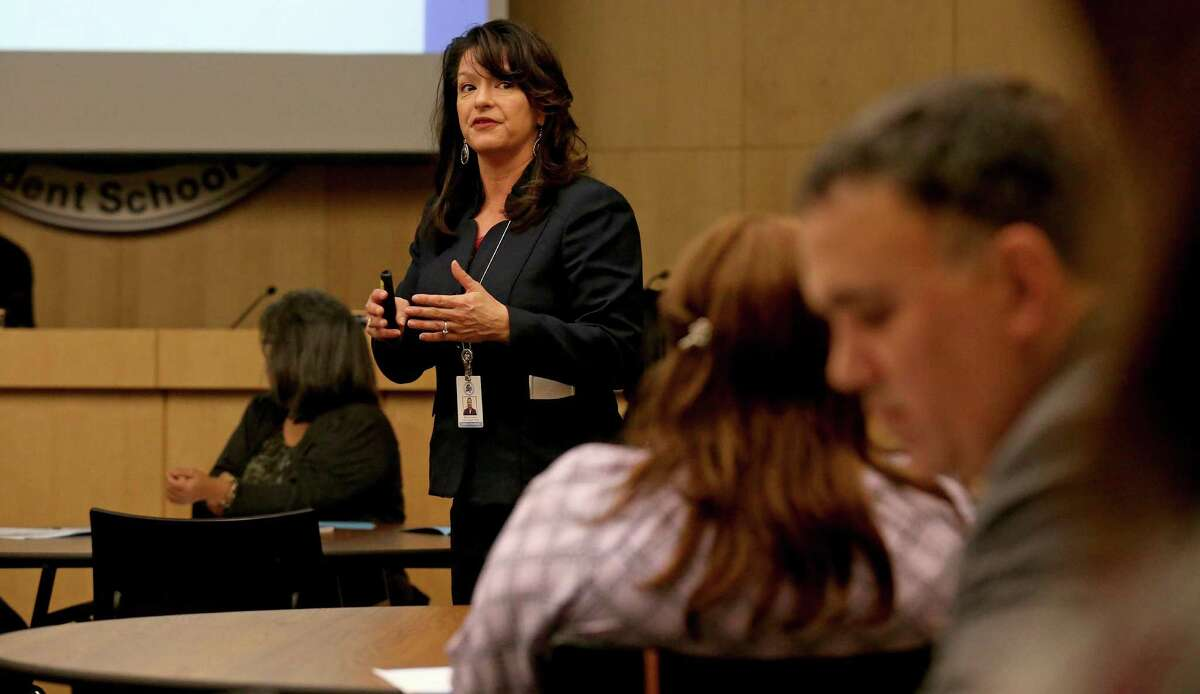 Delinda Castro, chief academic officer for South San Antonio Independent School District, speaks to a committee tasked with developing a district of innovation plan at a meeting held Thursday, Jan. 12, 2017.