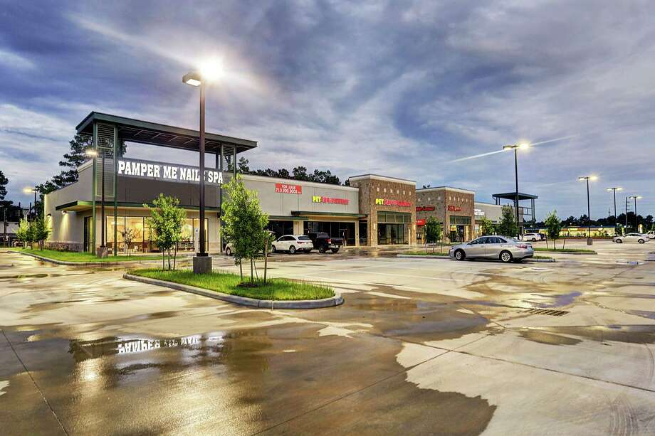 Lone Star Partners sold Rock Creek Plaza, a 20,988-square-foot newly developed shopping center at 14034 and 14044 Grant Road in Cypress. Edge Capital Markets represented the seller. Photo: Edge Capital Markets